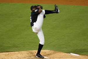 I would love to see the Dontrelle Willis leg kick in a Cubs' uniform.  Image:  www.yahoo.com